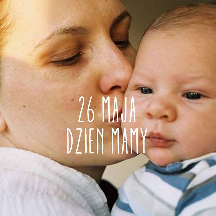 KOCHANE MAMY, życzymy Wam radości, uśmiechu, szczęścia i chwil tylko dla siebie. Nasze zdrowie  #instamatki #motherhood #dzienmatki #mama #love #family #familyforever #mojewszystko #jestembojestes #kocham #instachild #instadziecko #smile #babyboy #synek #synekmamusi #malisilacze